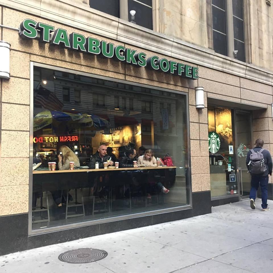 ニューヨークの旅 スタバで朝食(2016年11月14日)