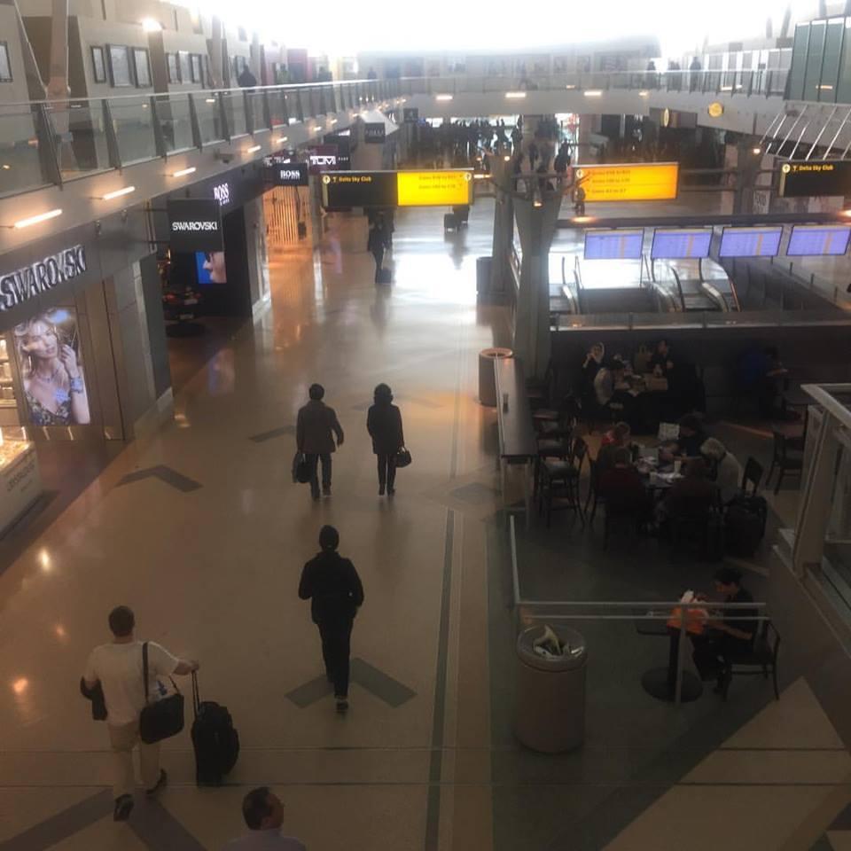 ニューヨークの旅 JFケネディ空港出発ロビー(2016年11月22日)