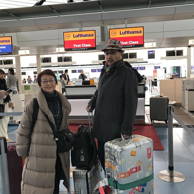 チェックインしました。問題のWiFiも無事に借りられました。今ラウンジでブランチ中です。では、ローマにいってきま〜す!#ローマ #イタリア #羽田空港 #ルフトハンザ #Roma #itary