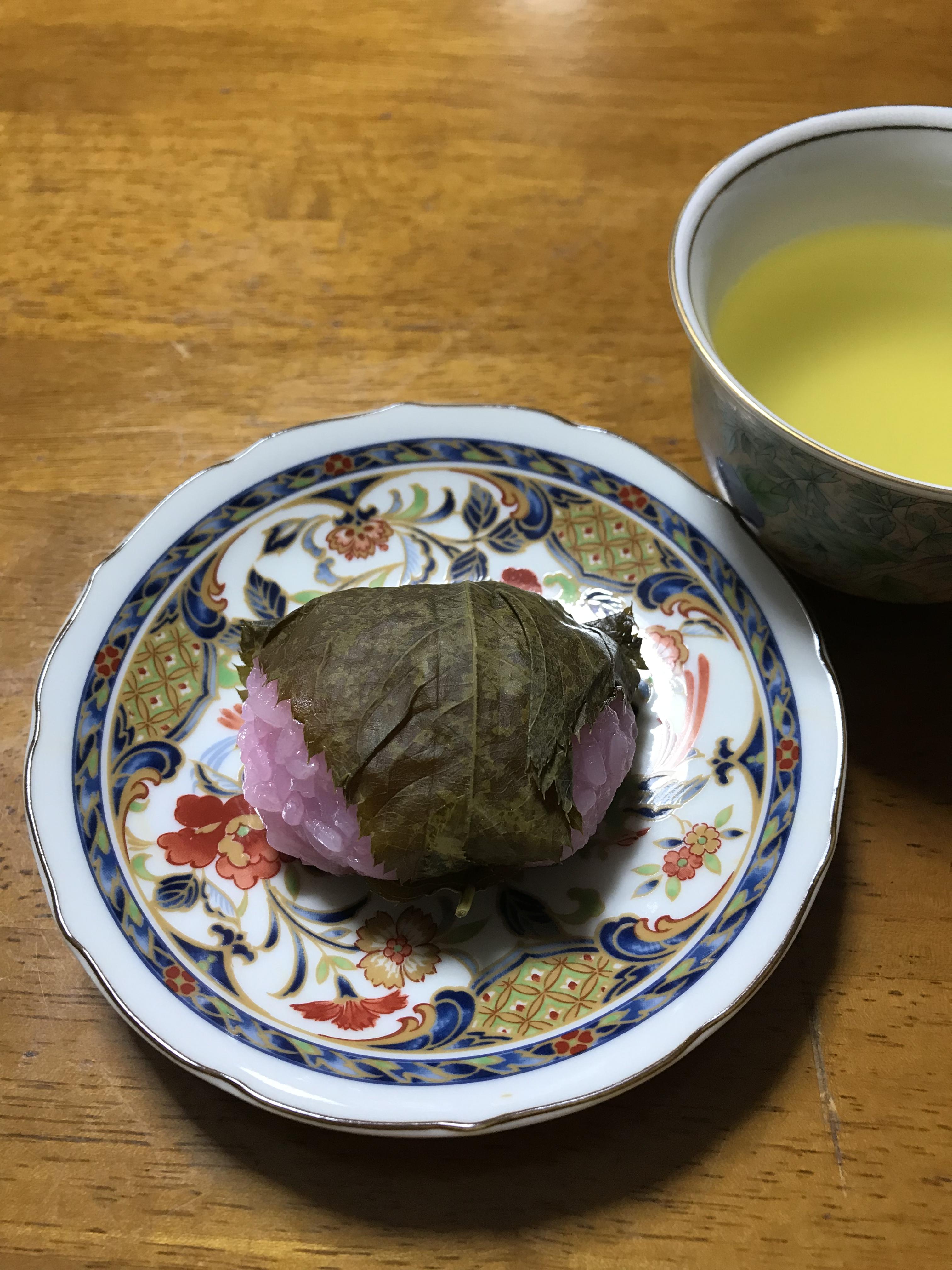 うれしいことがあったので和菓子を食べた!