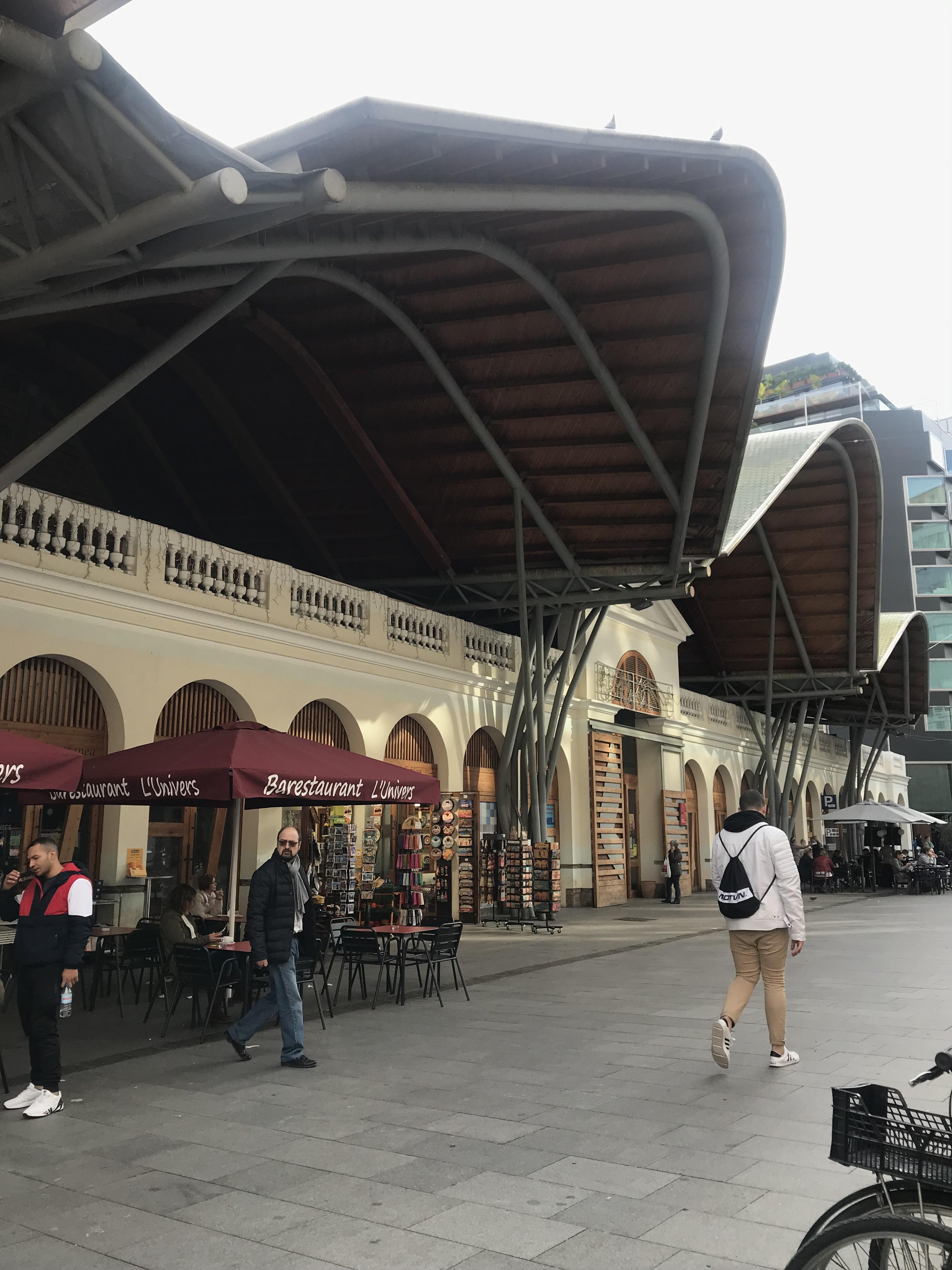 バルセロナの市場 地元住民御用達 サンタカタリーナ市場