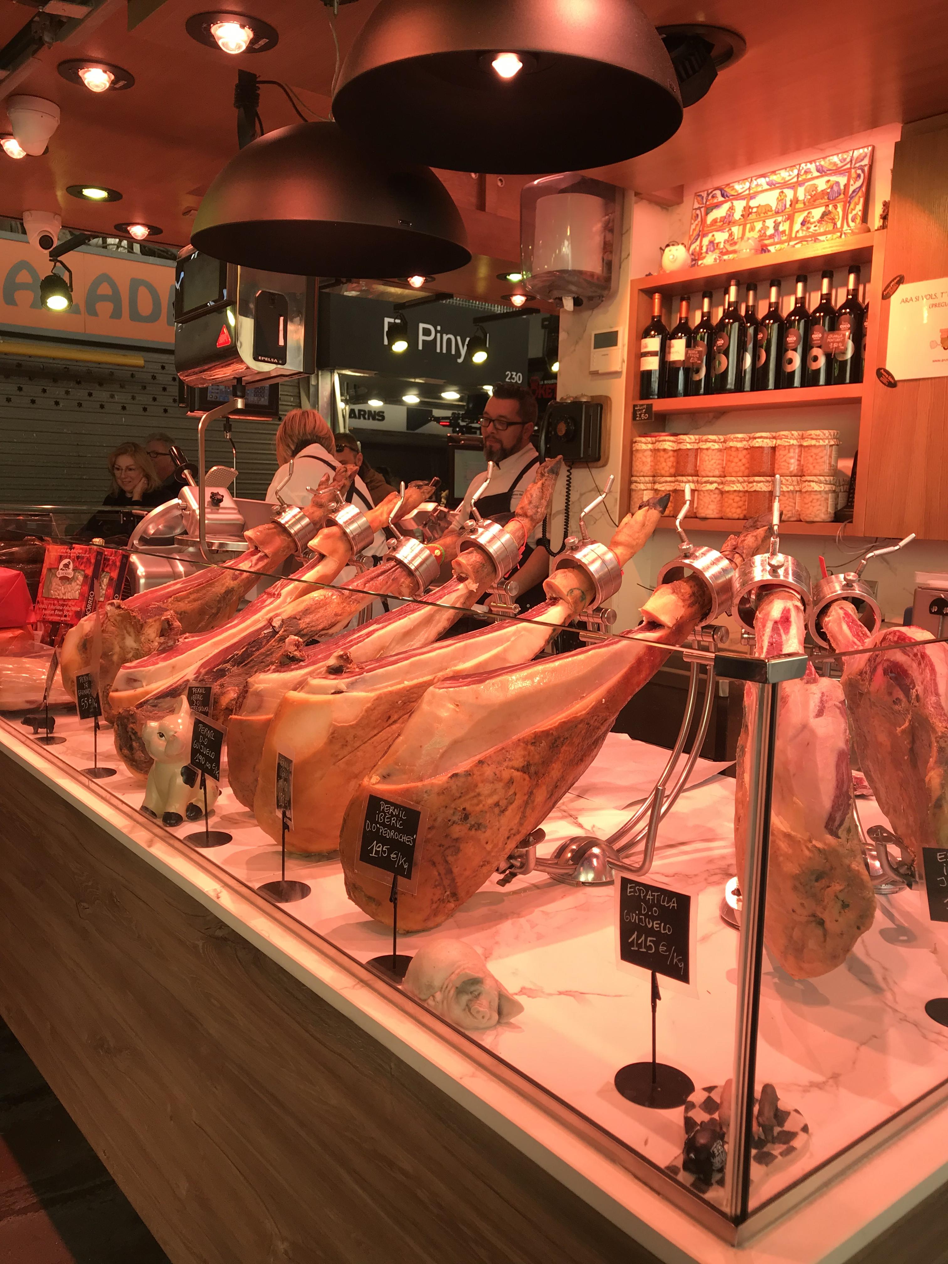 バルセロナの市場 ボケリア(胃袋)と呼ばれるサンジョセップ市場