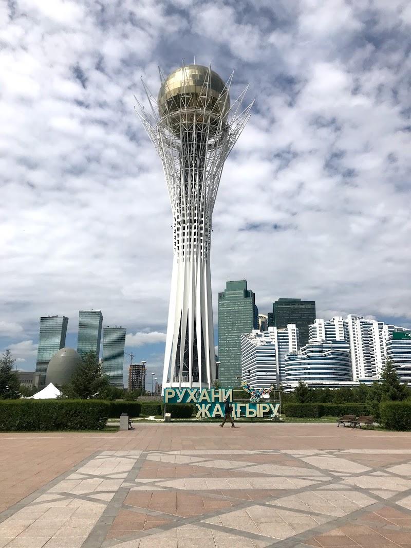 カザフスタン一人旅 4日目 私と同じ女一人旅の友とバイテレクで待ち合わせ