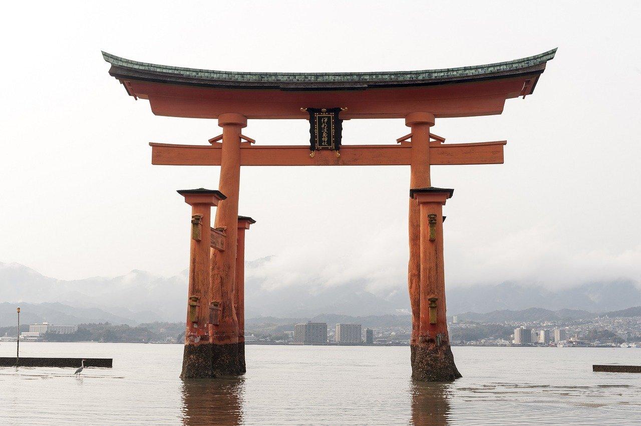 神社もあり、お寺もある日本という国