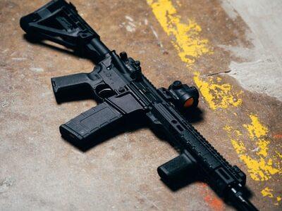 自衛隊機関銃の設計図を日本人ビジネスマンが中国に流出させていた!