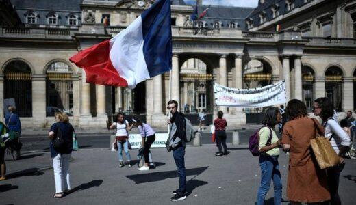 ワクチン賛成派のみなさん、これがあなたが望む世界ですか? フランスワクチンパスポート開始!